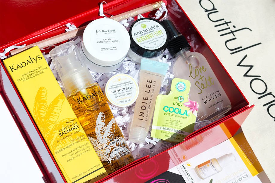 Review of abeautifulbox Spring/Summer eco-luxe natural beauty box from abeautifulworld, featuring Kadalys Radiance Dry Oil, Josh Rosebrook Cacao Antioxidant Mask, Schmidt's Bergamot + Lime Deodorant, The Body Deli Solar Day Cream, Olivine Love + Salt Beach Hair & Body Mist, Indie Lee Brightening Cleanser, COOLA SPF30 Unscented Sunscreen & Tili Bag