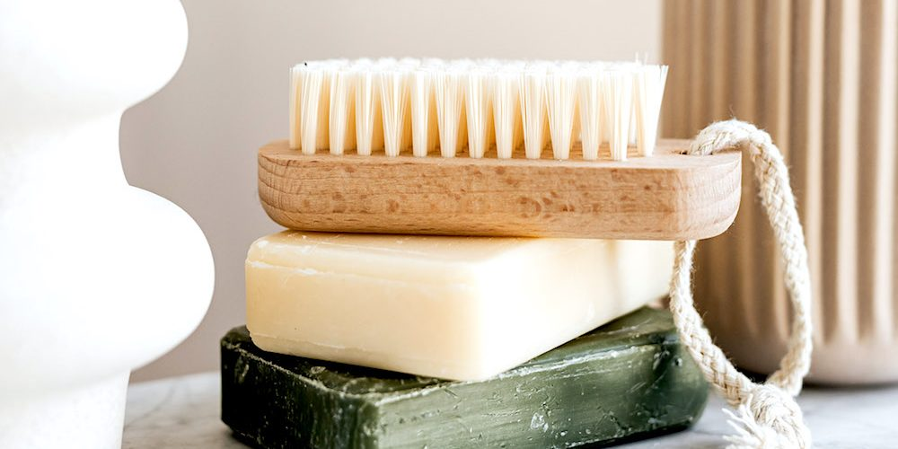 Beginner's Guide to Plastic Free Beauty & Toiletries