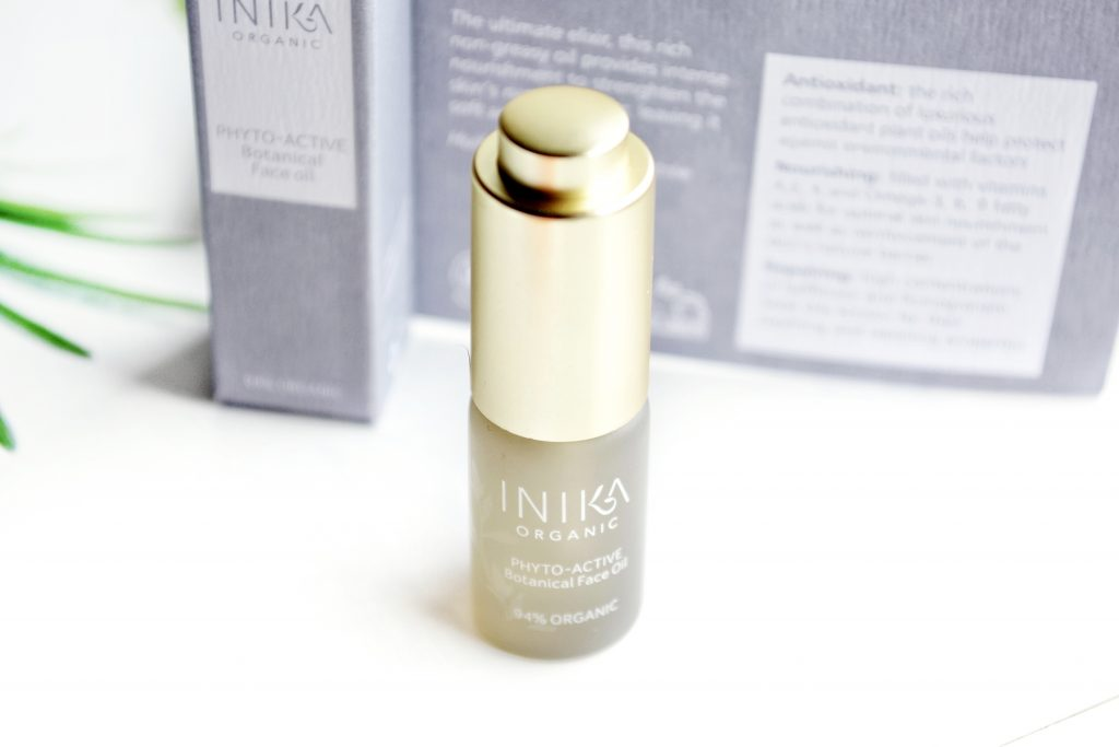 INIKA Phyto-Active Botanical Face Oil  mini review - the ultimate skincare treat containing a blend of 18 botanical organic oils