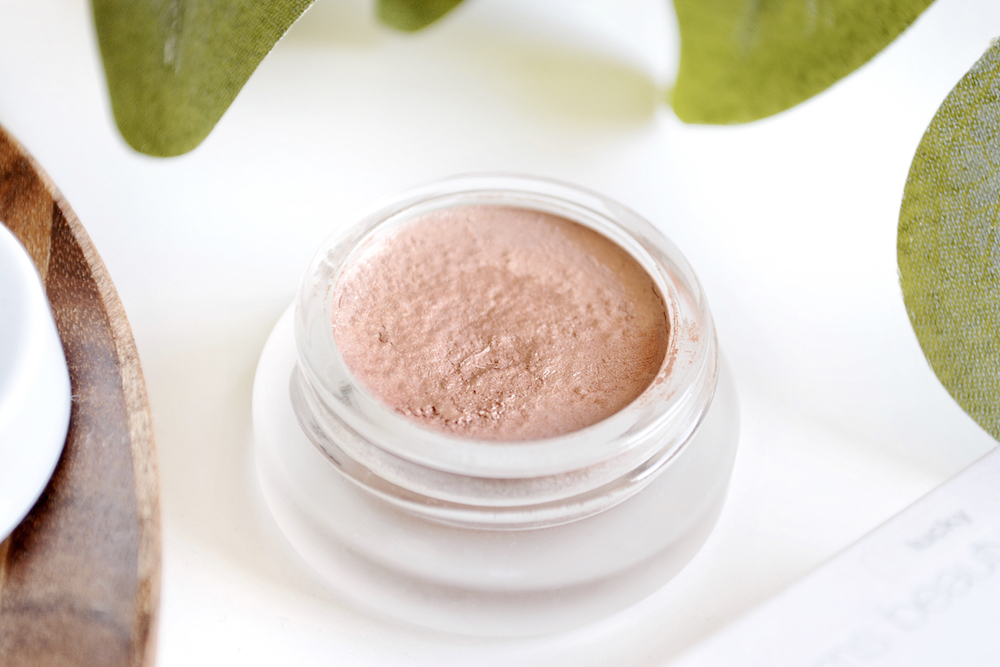 Review and swatches of RMS Beauty Cream Eye Polish in the shade Lucky - a copper coloured natural and organic cream eyeshadow with a peach undertone.