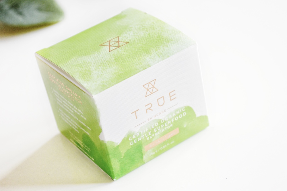 Review of TRUE Skincare Certified Organic Gentle Superfood Exfoliator - a powdered product to gently exfoliate dead skin cells.
