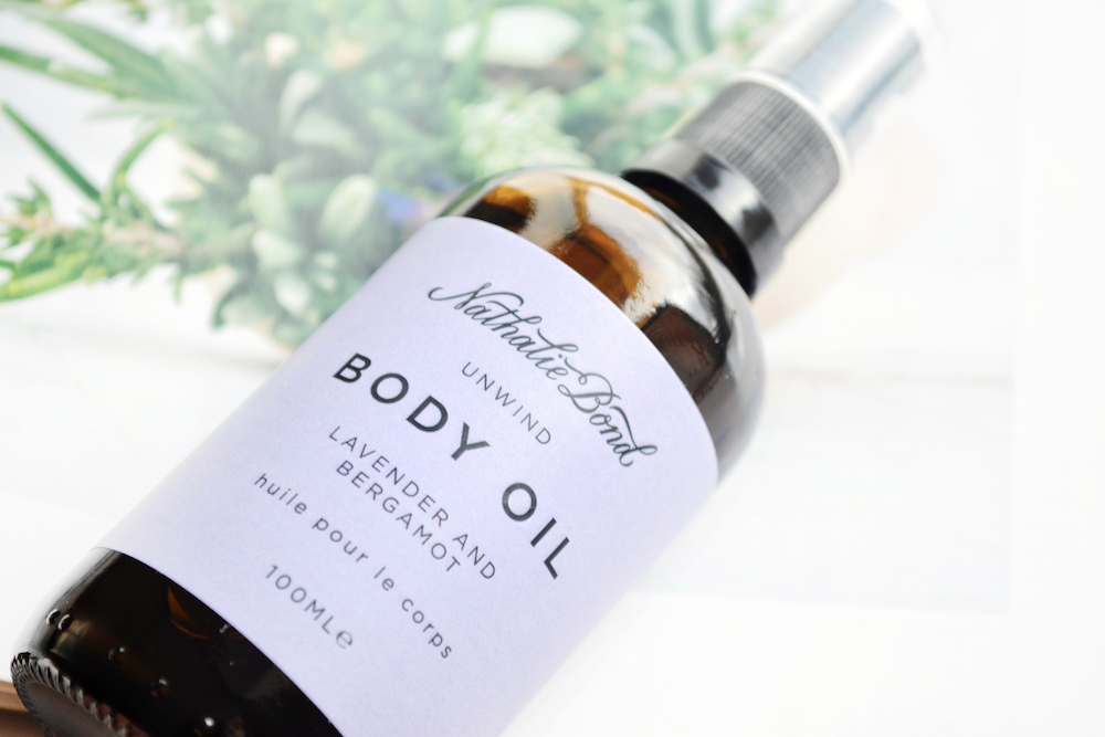 Review of Nathalie Bond Unwind Organic Body Oil with lavender and bergamot - a calming and relaxing body oil for smooth and glowing skin